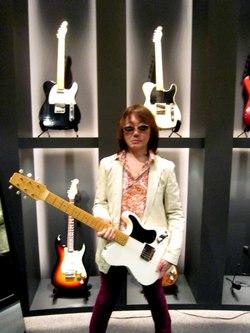 Fender_show_case_tokyo1_3